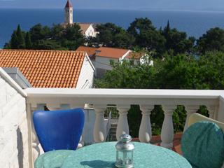 Apartmani za iznajmljivanje u Bolu na otoku Braču, Apartments for rent in Bol island Brac, Wohnungen zur Miete in Bol Insel Brac